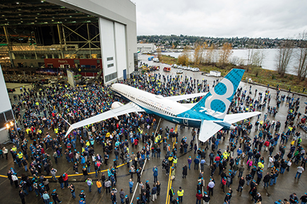 737 Max with crowd
